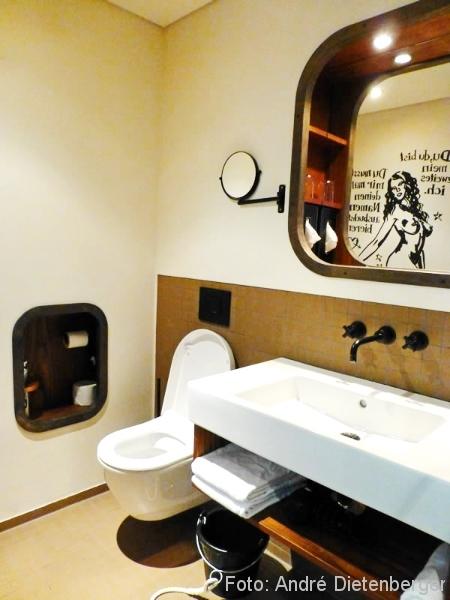 25h HafenCity - Badezimmer