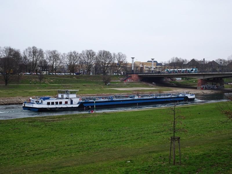 Mannheim - Neckar Frachtschiff