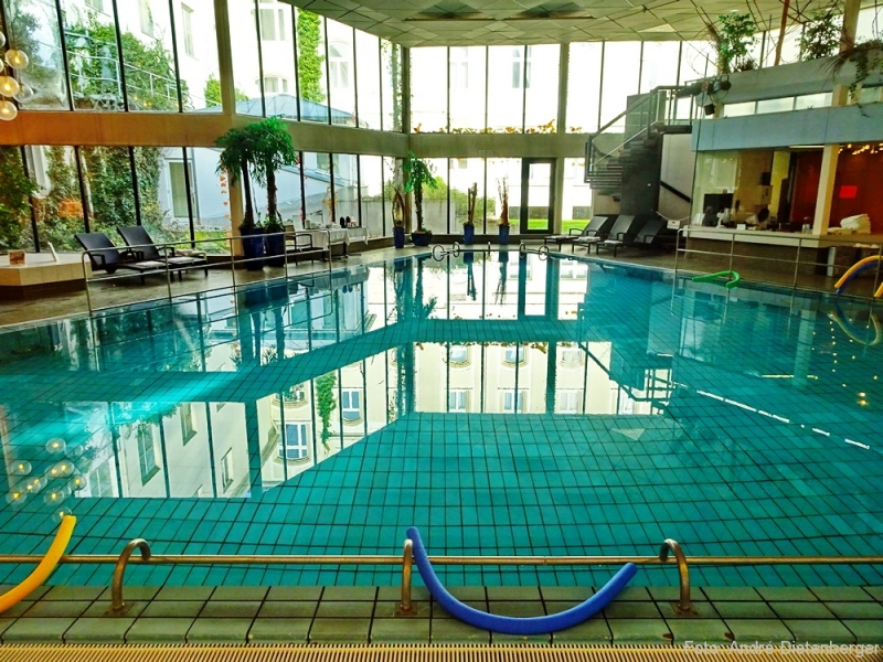 Steigenberger - indoor Pool