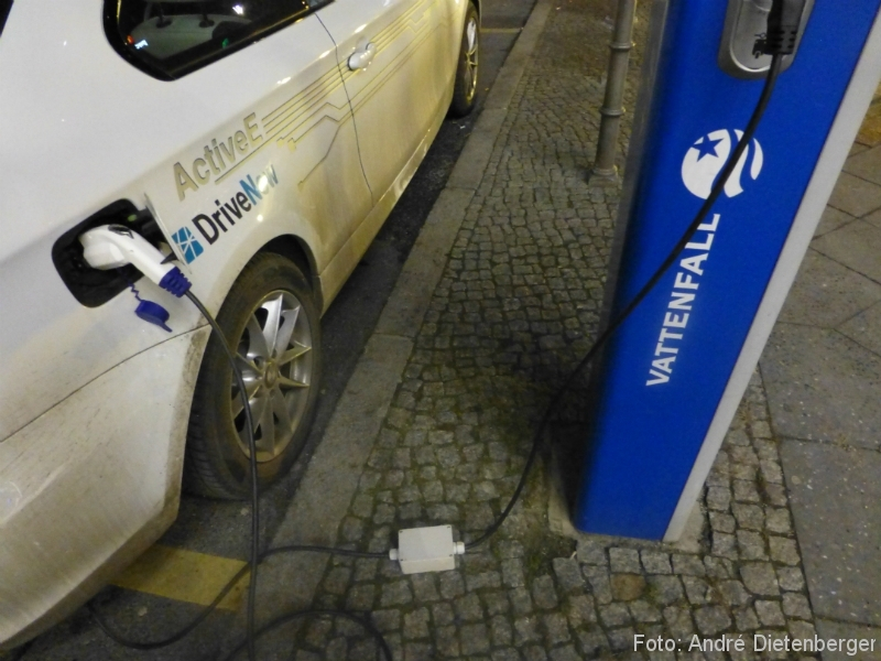 DriveNow ActiveE Berlin Kabelsalat