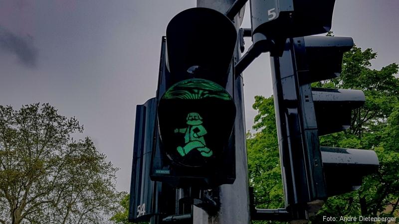 Karl Marx Ampel Grün