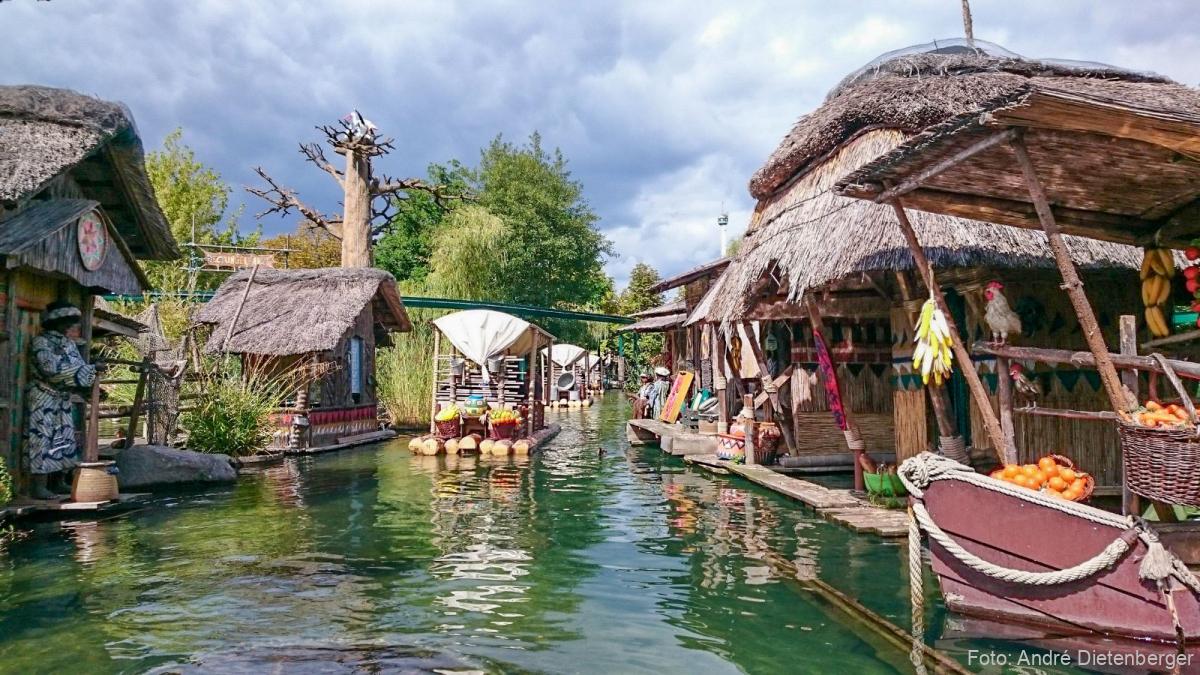 Europa-Park - Flossfahrt im See