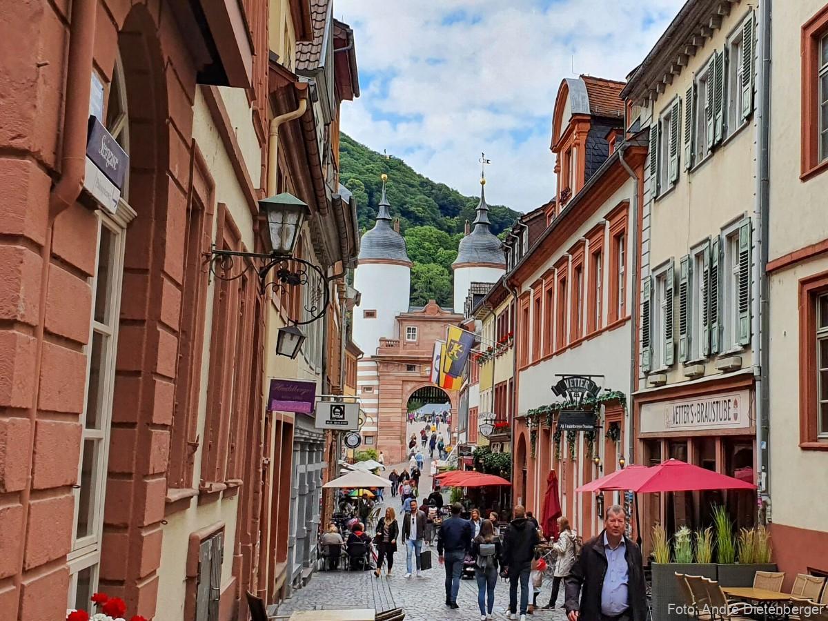 Alte Brücke Heidelberg mit mittelalterlichem Brückentor