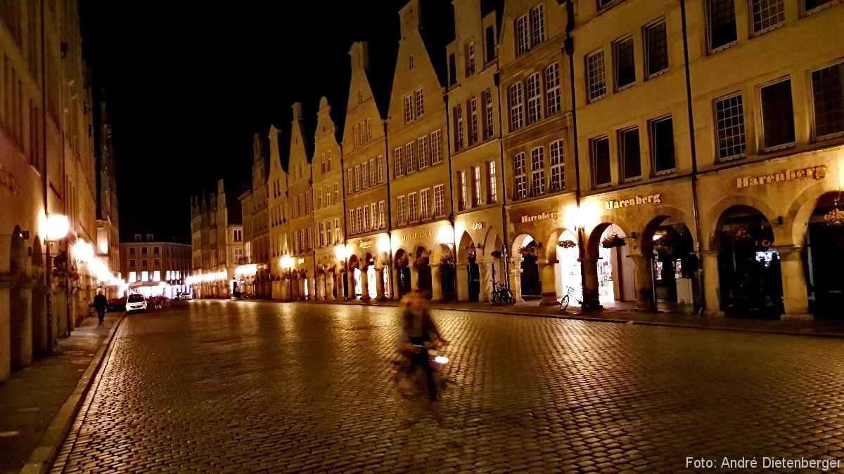 Münster - Bogengänge am Prinzipalmarkt bei Nacht
