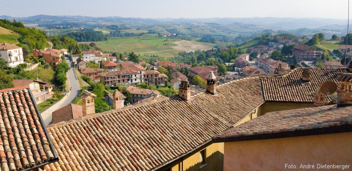 Über den Dächern des Piemont