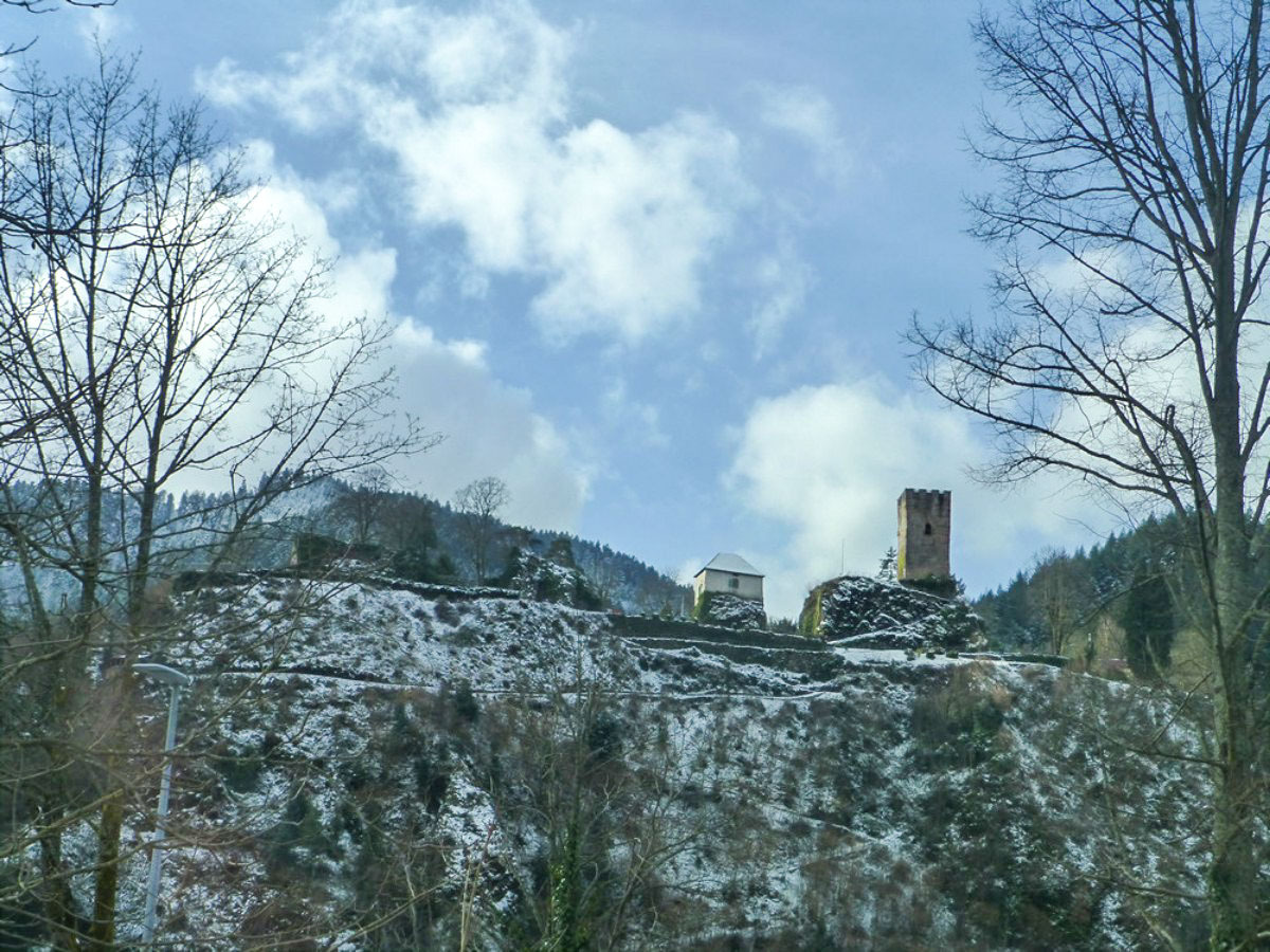 Schwarzwaldbahn - Unterwegs Burgruine