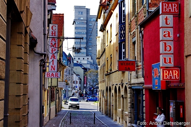 Stuttgart - Leonhardsviertel und Tagblatt Turm