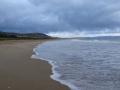 Strand bei schlechtem Wetter