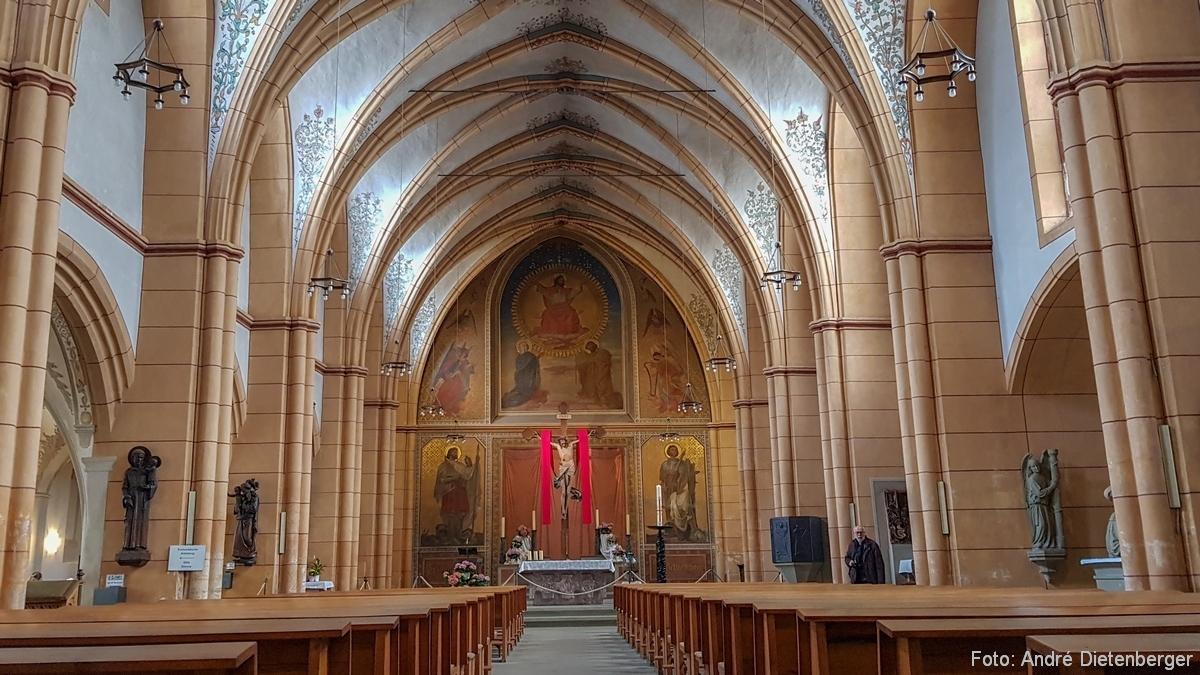 Kirche St. Gangolf, innen