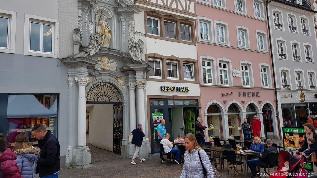Kirche St. Gangolf, Eingang