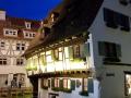 Fischerviertel - Hotel Schiefes Haus bei Nacht