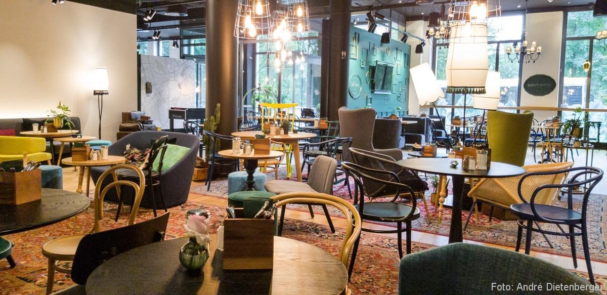 Café und Lounge